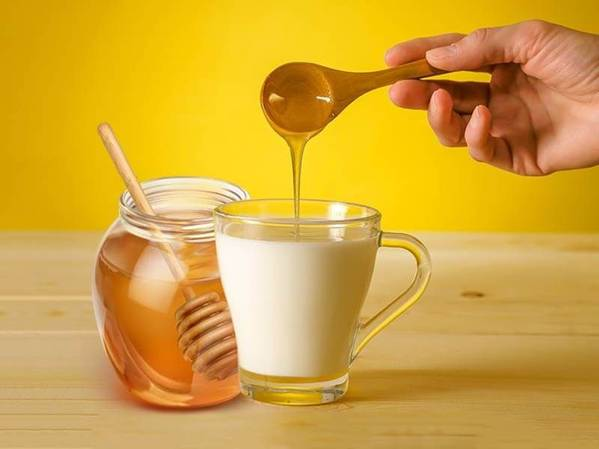 straight hair masks with honey and milk